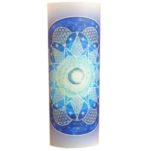 Mit den Energien dieses Mandalas darf sich uraltes Wissen in dir zeigen. Uralte Verbindungen, welche du vergessen hast, dürfen sich wieder zeigen-Verbindungen zu deiner Sternenfamilie, deiner kosmischen Familie.